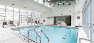 Citygate 2 Condo - 220 Burnhampthorpe Rd W - Swimming Pool