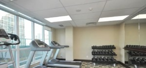 Wide Suites - 208 Enfield Place Mississauga L5B 0G8 - Gym