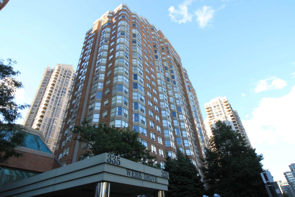Monarchy 1 Condo - 325 Webb Drive Mississauga L5B 4A1 - Building Exterior