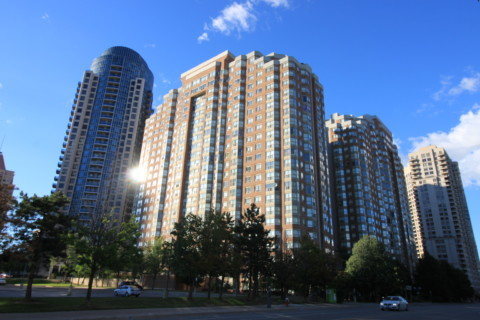 Monarchy 2 Condo - 335 Webb Drive Mississauga L5B 3Z9 - Building Exterior