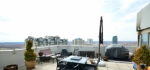Monarchy 2 Condo - 335 Webb Drive Mississauga L5B 3Z9 - Rooftop Deck
