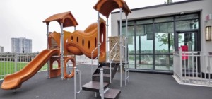 The Grand Residences at Parkside Village - 4070 Confederation Parkway Mississauga L5B 0E9 - Kid's Play Area