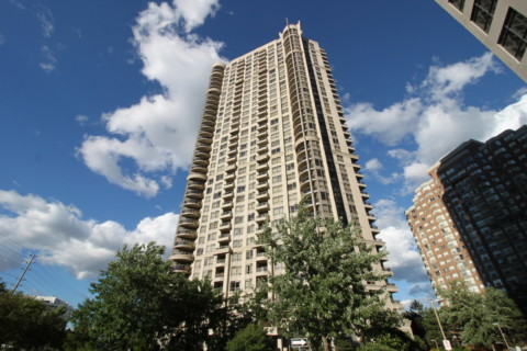 Grand Ovation - 310 Burnhamthorpe Rd W, Mississauga L5B4P9 - Front Lobby Entrance from SquareOne.Condos