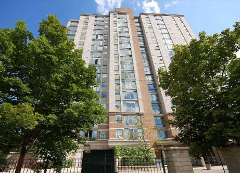 Compass Creek Condos - 200 Burnhamthorpe Rd