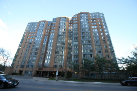 Club One Condo - 300 Webb Dr