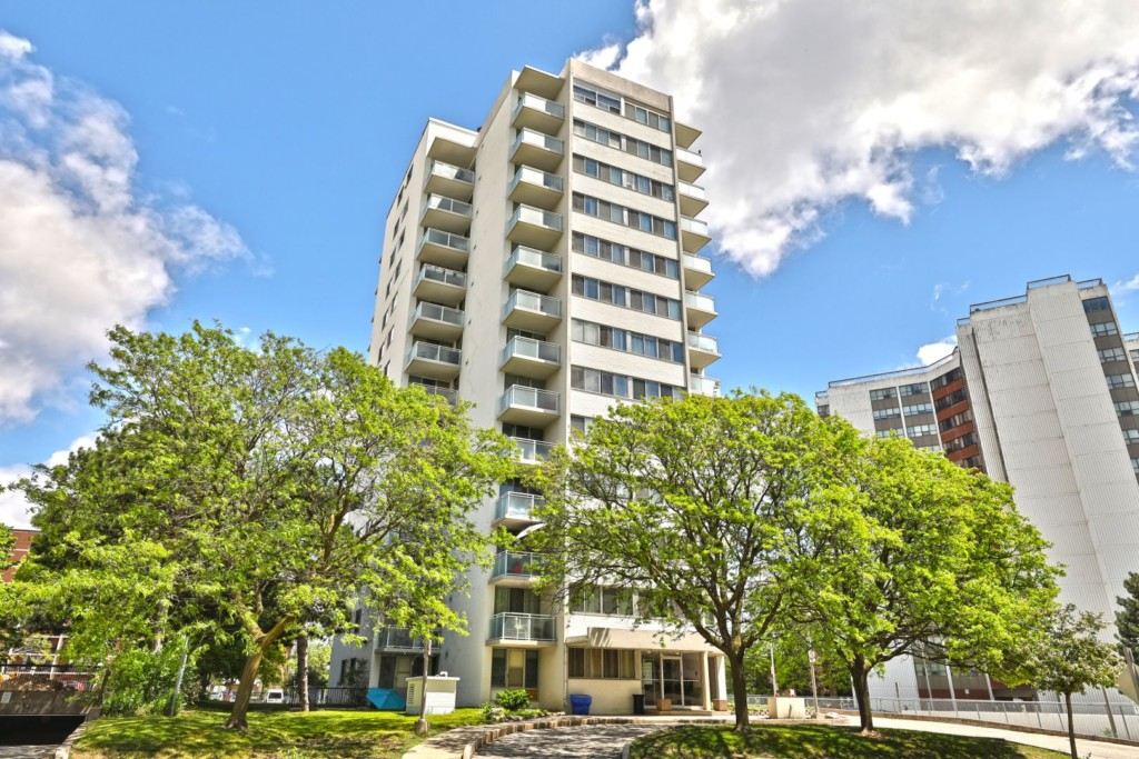 2345 Confederation Condos - 2345 Confederation Pkwy, Mississauga, ON, L5B 2H3, Canada
